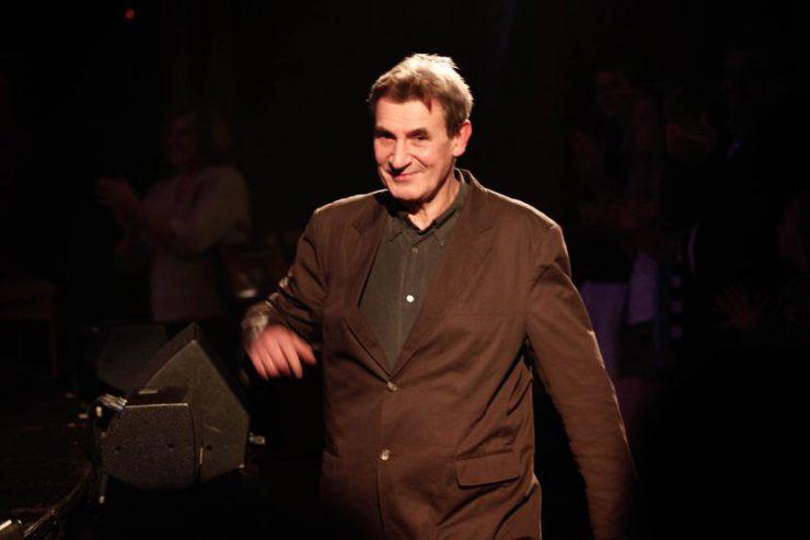 Autor scenariusza, tekstów piosenek i reżyser spektaklu - Jerzy Bielunas.