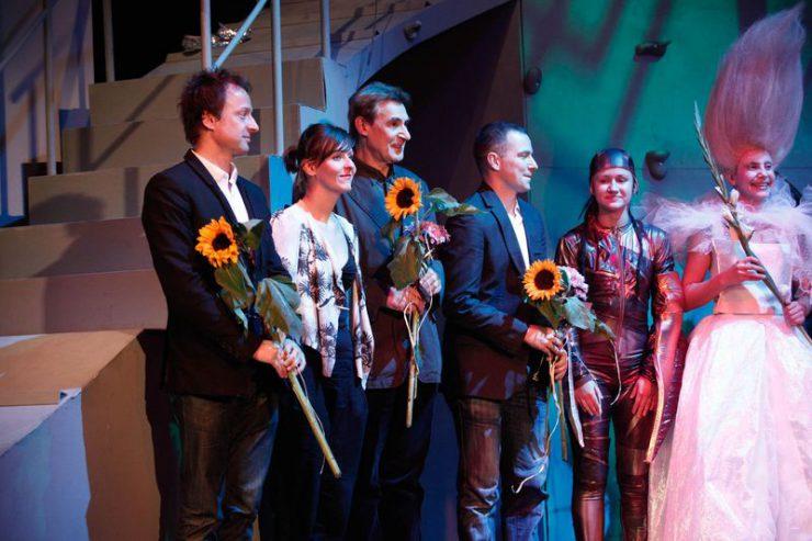 Twórcy spektaklu, od lewej: Mateusz Pospieszalski, autor muzyki, Anna Chadaj – odpowiedzialna za kostiumy, reżyser – Jerzy Bielunas i choreograf – Maciej Florek.